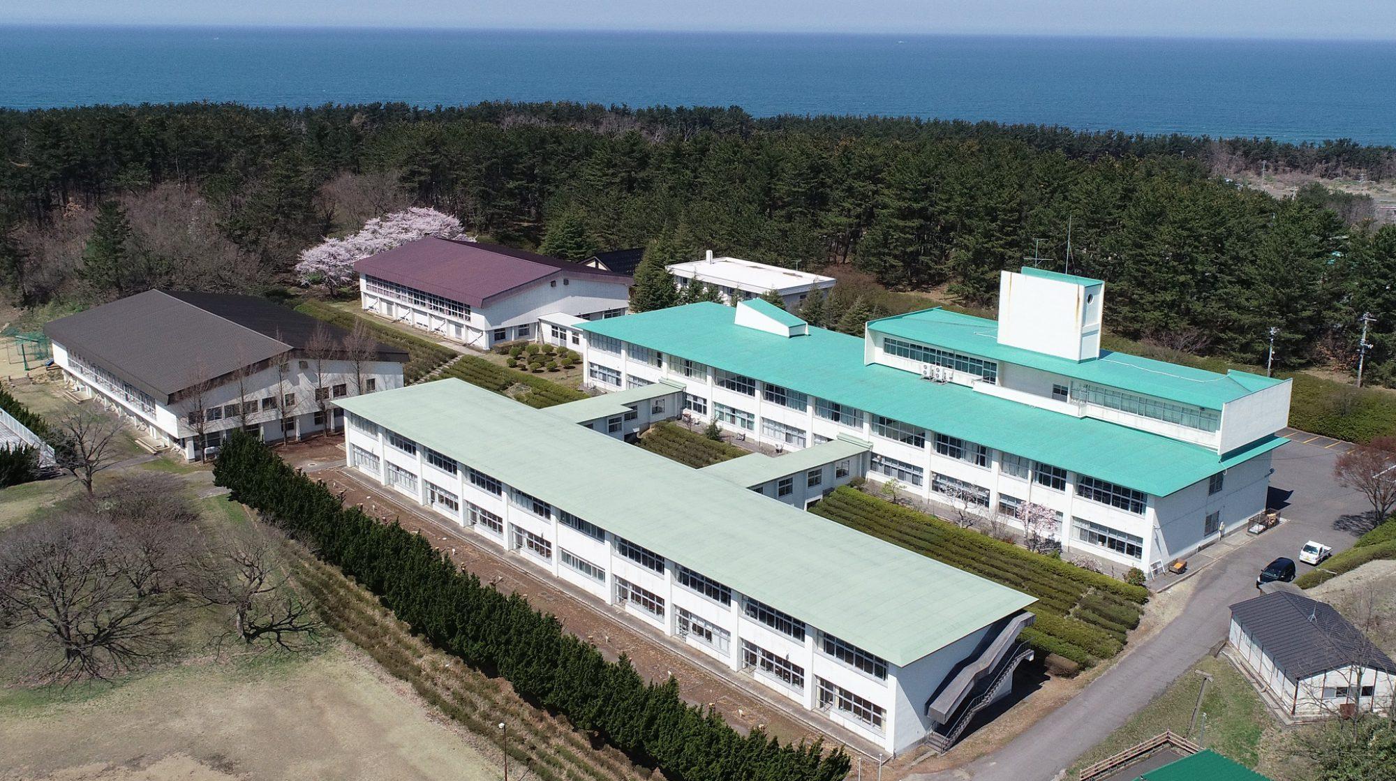 秋田県立仁賀保高等学校